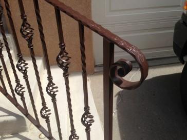Stairway safety hand railing