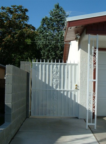 Gate with spears, Caprice design and solid metal