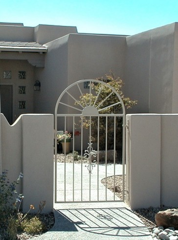 Arched gate with Straight Sun and Sundance design