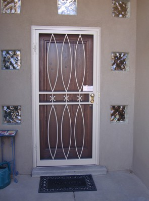 Security storm door in Bowed pickets