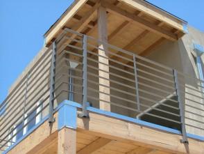 Modern style horizontal bar balcony railing