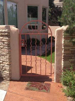 Arched gate with Wavy Sun and Semi Wave pickets
