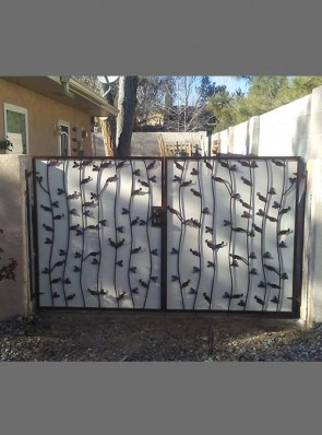 Pr. of gates with Wavy Leaves design and perforated metal