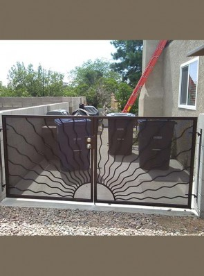 Double gates with Wavy sun and perforated metal