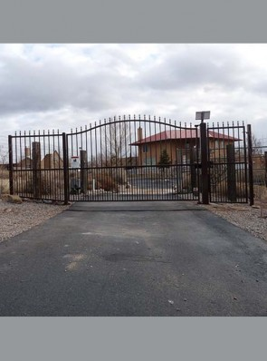 Eyebrow top entry automatic gate with spears, and doggie pickets