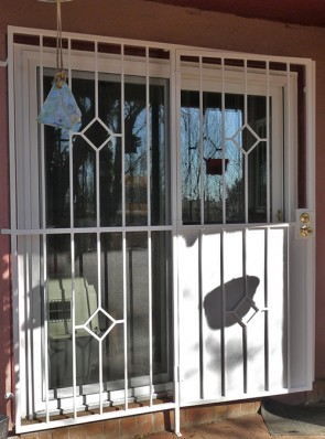 Patio door with simple diamond design