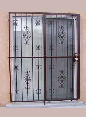 Patio door in Seville and double C-scrolls design