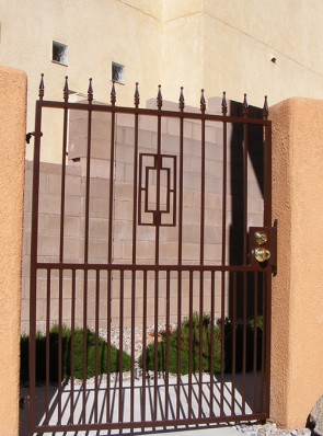 Gate with spears, Contemporary design and Doggie pickets