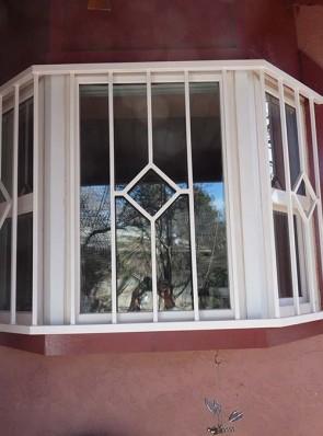 Bay window grill in Diamond design