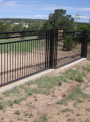 Custom design 5' high fence