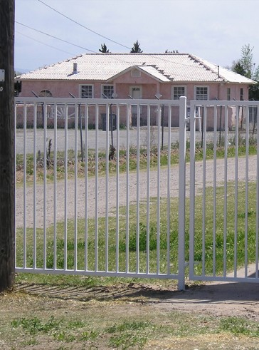 6' high fence with gate