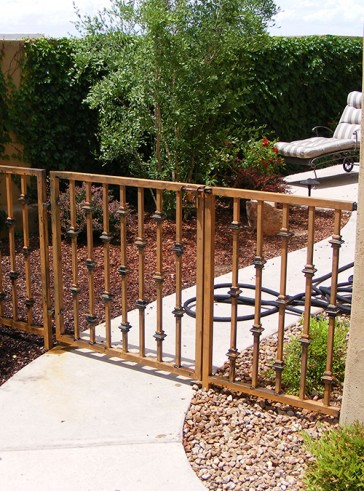3' high fence and gate with Knuckles
