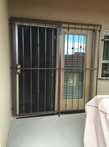 Patio door with Knuckles design