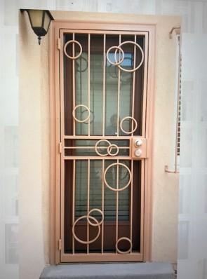 Security screen door with Circles design
