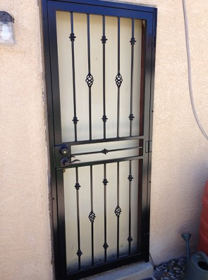 Security door with Knuckles and Baskets design