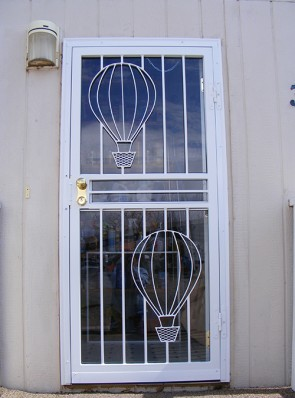 Security storm door in Balloon design