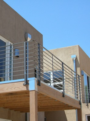Balcony rail with flat bar horizontals