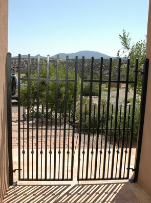 Custom double gates with knuckles and spring latch