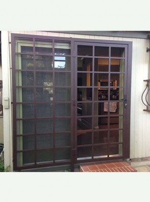 "Patio door with 1"" Divided Light design"