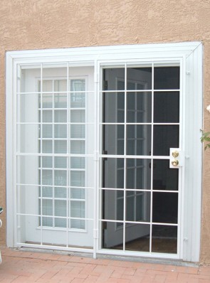 Patio door in Divided Light design