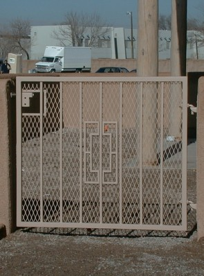 Gate with Contemporary design and expanded metal