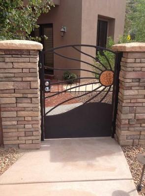 Arched gate in Windblown Copper design