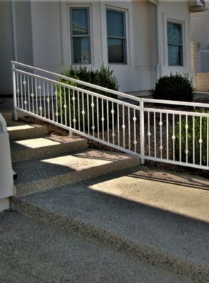 Step railing with Knuckles and open top panel design