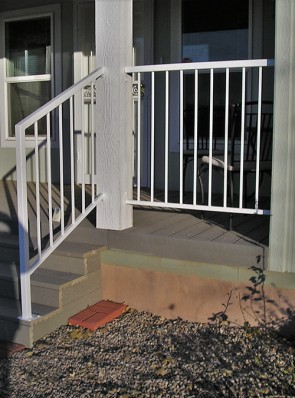 Step and porch railing